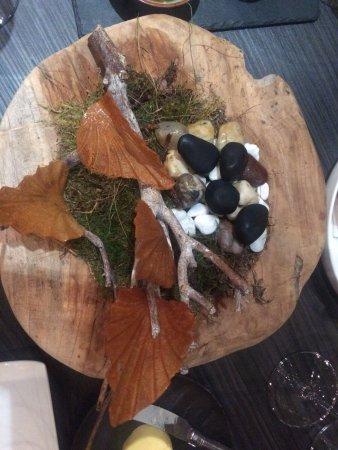 Restaurant Rijnzicht: Reypenear on the rocks