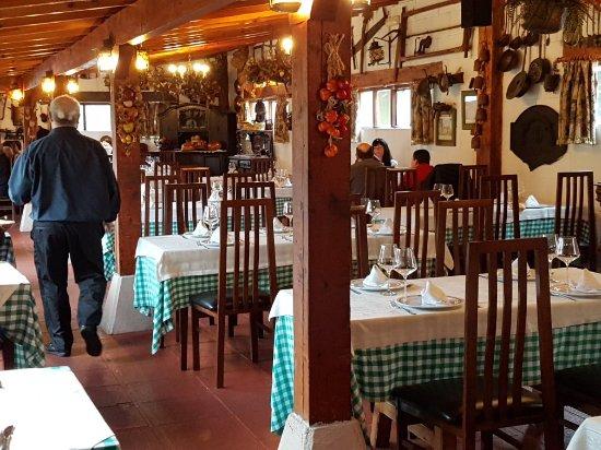 Ajo, España: Restaurante Carlos III