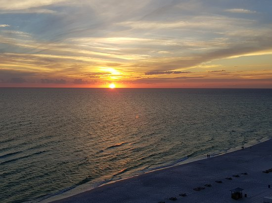 Long Beach Resort: Sunset on the Gulf Coast