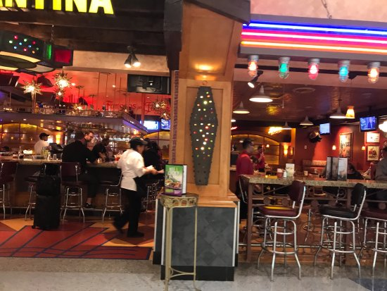 Pappasito's Cantina: Left side seating