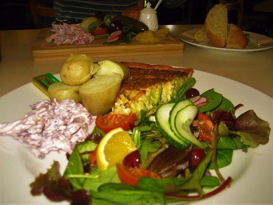 Lower Heyford, UK: This was my fantastic Stilton and Broccoli Tart