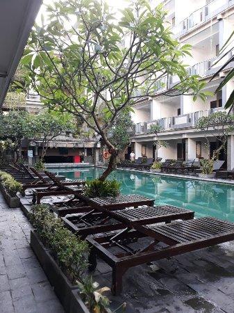 Champlung Mas Hotel: 20171103_071917_large.jpg