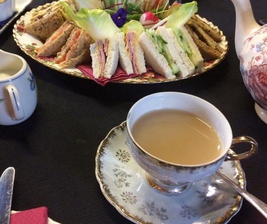 Whitchurch, UK: Dainty sandwiches