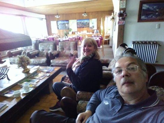 Hosteria Guemes: Living y desayunador