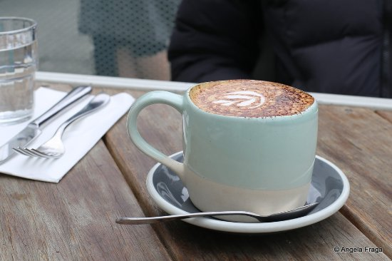 Carnegie, Australia: Large skinny cappuccino