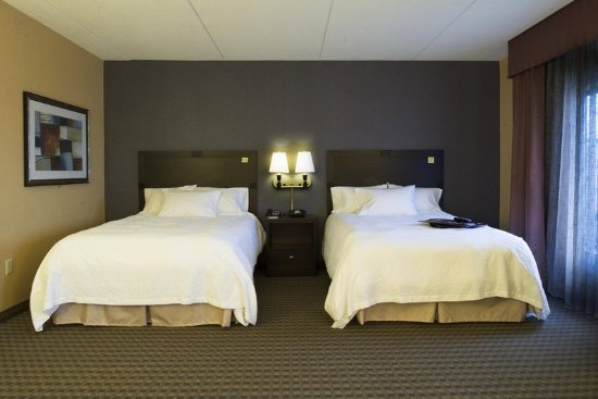 Vineland, NJ: Queen Suite