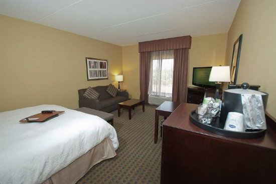 Vineland, NJ: Accessible King Room