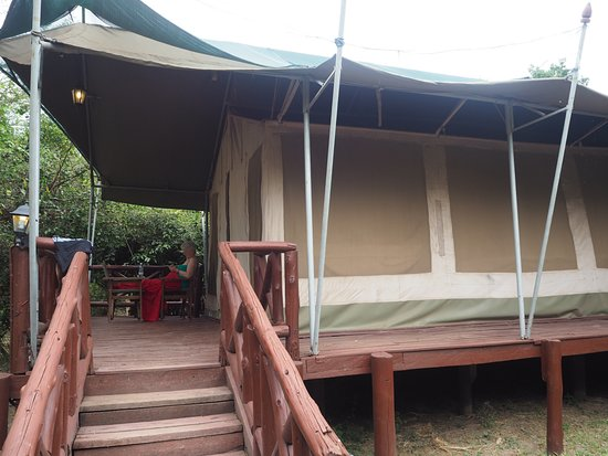 Mara Leisure Camp: Tented part of room