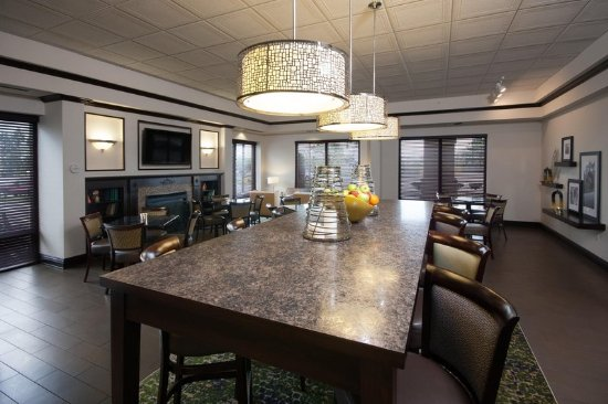 Hampton Inn Buffalo South/I-90: Lobby Seating