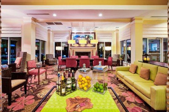 Chesterton, IN: Lobby Area