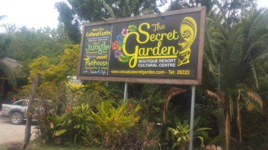 Mele, Vanuatu: Entrance