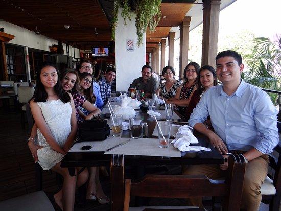 Restaurante Ni Fu Ni Fa: Celebrating a wedding - 10 people during lunch time