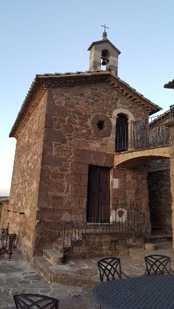 Muntanyola, Испания: Hermita dentro de la finca - preciosa