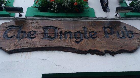 The Dingle Pub: Outside