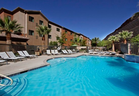 Towneplace suites st george st george ut foto 39 s for Affordable pools st george utah
