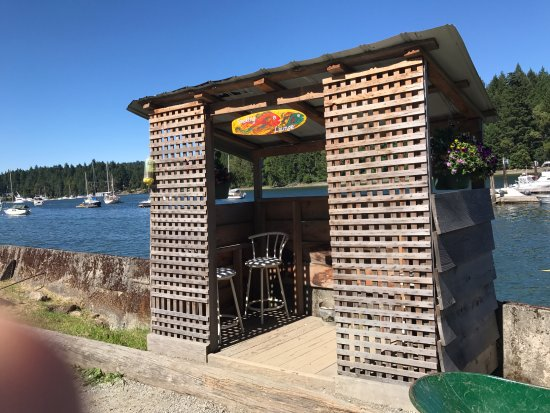 Smoke lounge off to the side of Thetis Island Marina Telegraph Harbour Rd, British Columbia