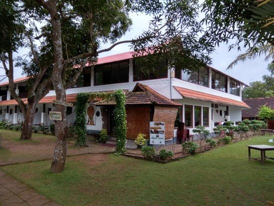 Green Palace Kerala Resort: The corner shot!