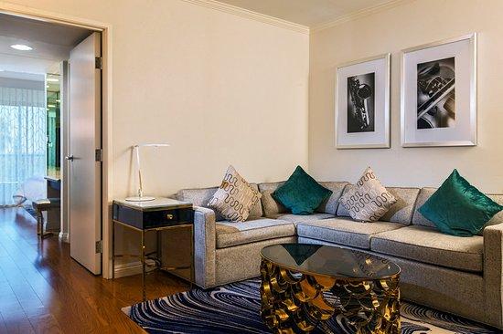 Avenue Of The Arts Costa Mesa, A Tribute Portfolio Hotel: Suite Junior  Living Part 37