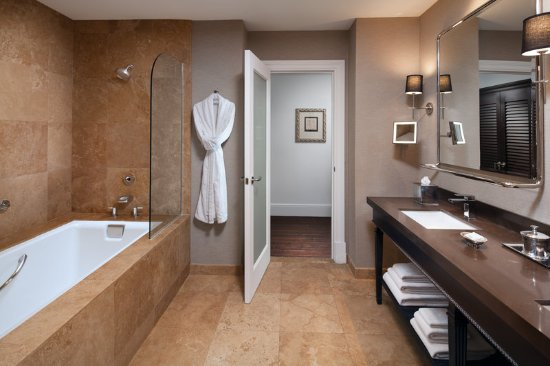 THE US GRANT, a Luxury Collection Hotel, San Diego: Grand Deluxe Guest Room with Tub