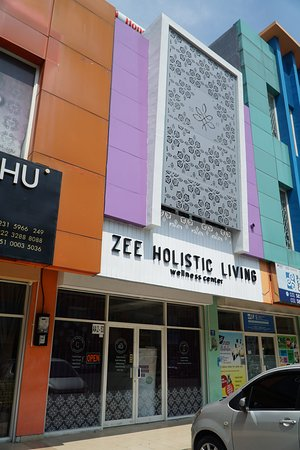 Zee Holistic Living Wellness Center