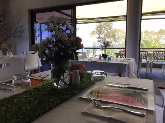 Bongaree, Australia: Setting up for Melbourne Cup Lunch