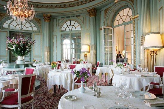 Montbazon, Frankrike: salle du restaurant - en rotonde