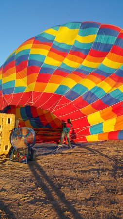 Canyonlands Ballooning : Ready for Take off