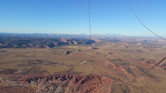 Canyonlands Ballooning : From the Basket