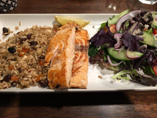 Joondalup, Australia: Coco Cubano - Grilled Salmon