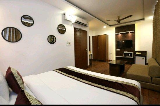 Interior - Picture of OYO 9854 Hotel Highland INN, Amritsar - Tripadvisor