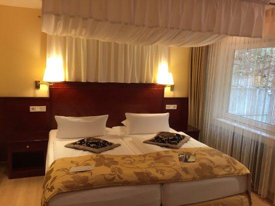 hotel marburger hof marburg restaurant bewertungen. Black Bedroom Furniture Sets. Home Design Ideas