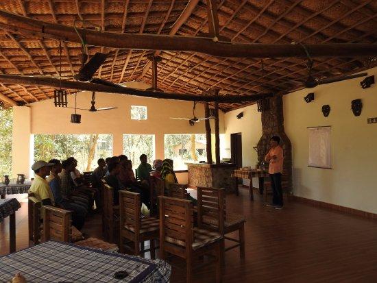 Asteya Kanha: Dining
