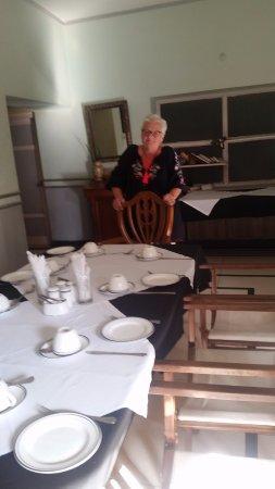 Hotel Inn Season: English Tea Room