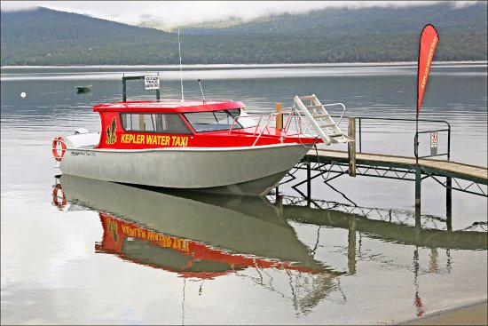 Fiordland National Park, New Zealand: Water Taxi at Lake Te Anua New Zealand