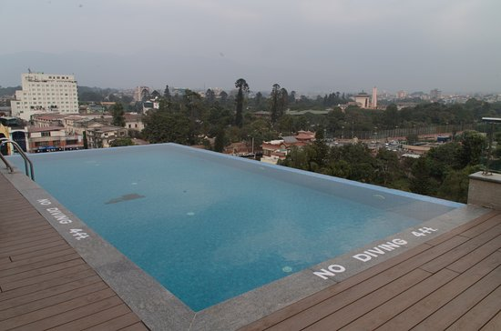 Der Pool oben auf dem Dach!! - Picture of Hotel Mulberry, Kathmandu -  Tripadvisor