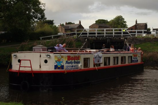 Boatel Party Cruises: we hired the boat for a private party, everyone loved it