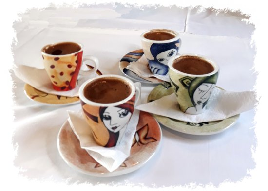Kri Kri: Greek coffee in original cups