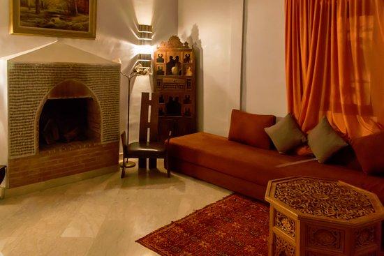 Riad d'Or: Salón con posibilidad de otras 3 camas.