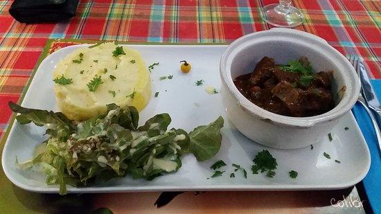 Matoury, Guayana Francesa: Mijoté de Bufle et sa purée de pomme de terre maison