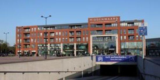Heerhugowaard, The Netherlands: Ingang overdekt winkelcentrum Middenwaard.