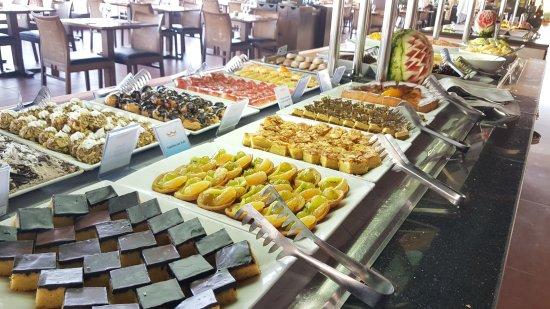 Hotel Riu Tikida Beach: Fresh and plentiful food