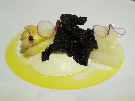Hotel Restaurante Maher: esparragos con vainilla y remolacha