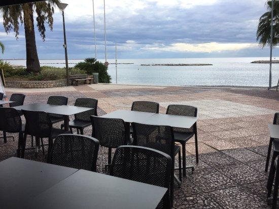 La brasserie du port st laurent du var omd men om - Restaurant indien port saint laurent du var ...
