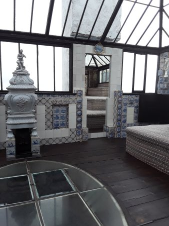 St Peter Port, UK: The writing den with glass floor and sea views ...an early glass room.