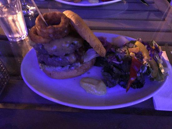 Le Garage - Gourmet Burger: Double Cheeseburger
