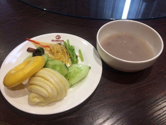 Jiayuguan, Kina: 自助早餐