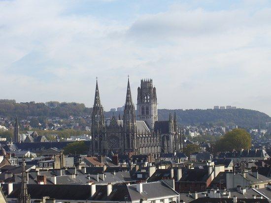 panoramic view from top of tower ルーアン gros horlogeの写真