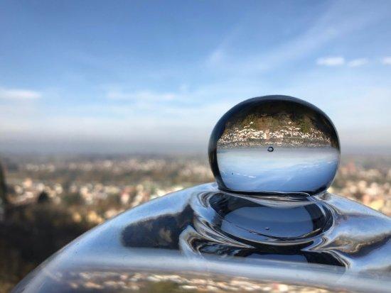 St. Margrethen, Suiza: Restaurant Ausblick durch eine Glaskuppel ;-)