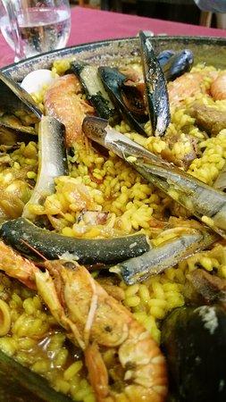 El Poble Nou del Delta, España: arroz con pato, anguilas y marisco.