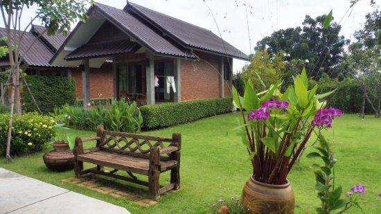 garten bungalow bungalow mit terasse ( garten ) - picture of sawasdee